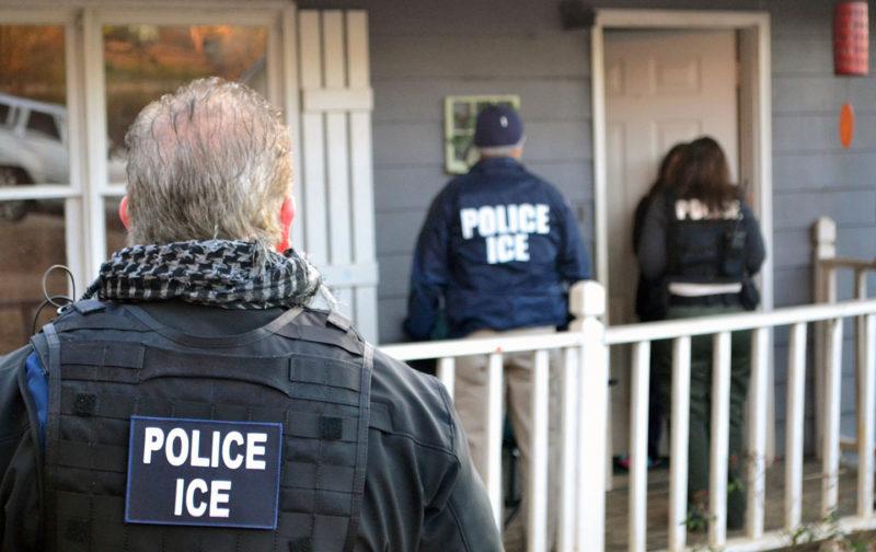 ¿Qué debe hacerse ante una redada de inmigración?