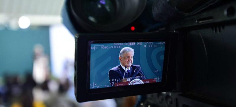 AMLO rechaza amenaza de recesión; 'vamos bien y de buenas', afirma
