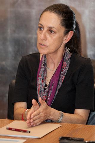 Sheinbaum: provoca la burocracia parálisis en obra pública. Impulsará leyes para agilizar planes