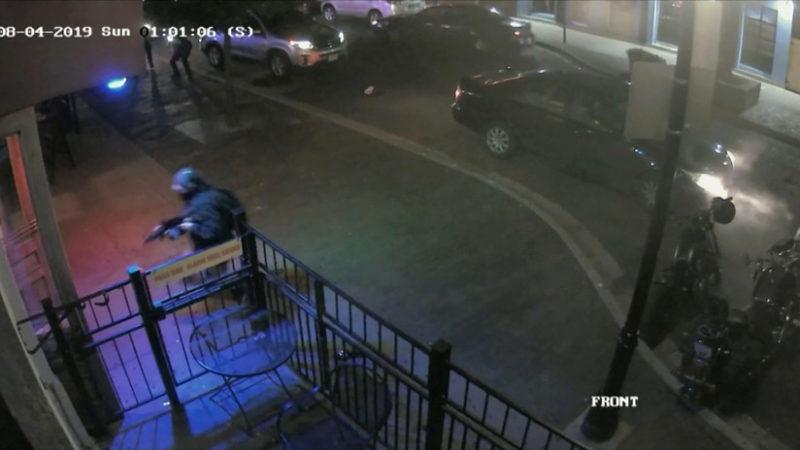 Videos:  Momento exacto en que es abatido el tirador de Dayton, que dejó 9 muertos y decenas de heridos