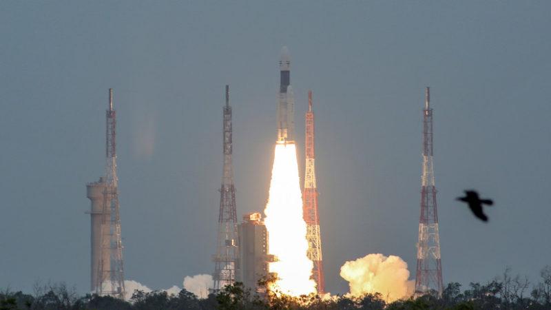 La nave espacial india Chandrayaan-2 sale de la órbita de la Tierra y se aproxima a la Luna