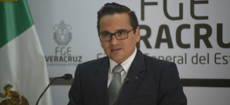 Videos: Ejército y Marina tendrán mando único compartido para prevención y seguridad pública en Veracruz: fiscal Winckler