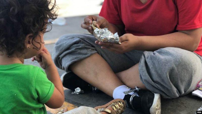 Gobierno se Trump se niega a dar artículos de higiene a niños migrantes en prisiones de migración