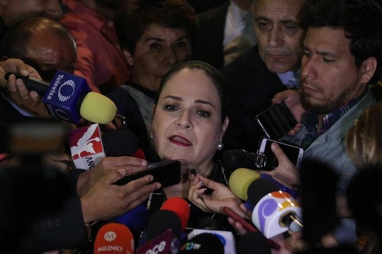 Mónica Fernández presidirá el Senado; Batres impugna y arremete contra Monreal
