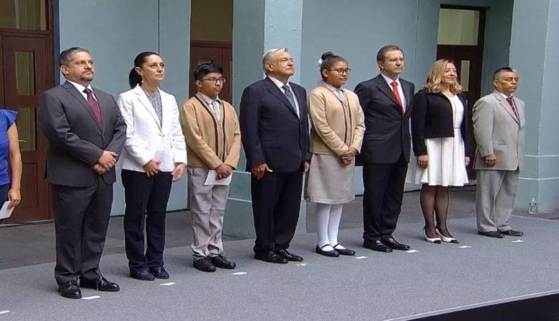 Videos: Más de 26 millones de alumnos mexicanos iniciaron el año escolar; el presidente López Obrador encabezó ceremonia; libros de texto se pueden consultar de manera digital