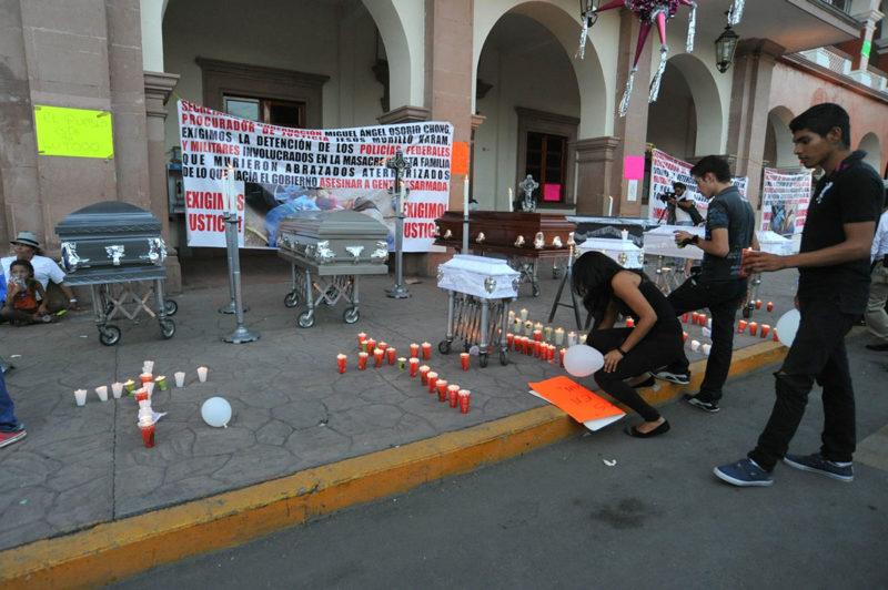 La Fiscalía General de la República detiene a seis federales involucrados en ejecución en Apatzingan; habrían asesinado a 16 personas