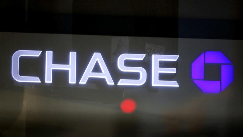 """""""Es una locura"""": Un banco perdona toda la deuda de tarjetas de crédito a sus clientes en Canadá"""