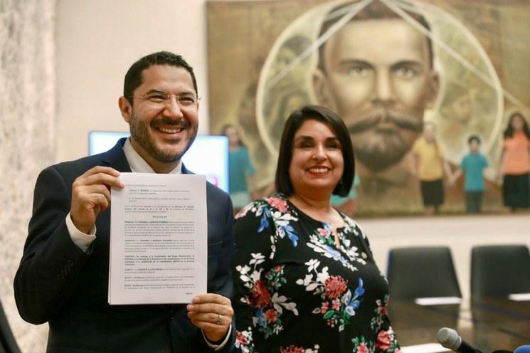Comisión de Morena invalida elección para presidencia del Senado; decisión arbitraria: Monreal, Batres celebra