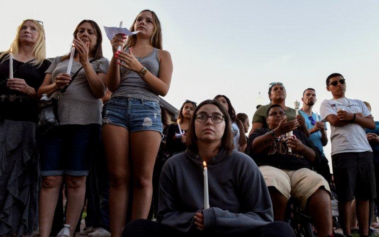 FBI investiga tiroteo en festival Gilroy Garlic como terrorismo doméstico