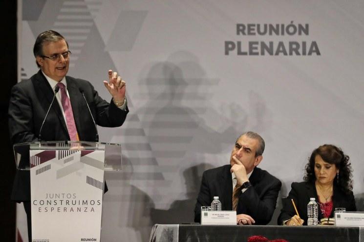 """""""Por ningún motivo, cueste lo que cueste"""", México se va a convertir en tercer país seguro, afirma el titular de Relaciones Exteriores"""