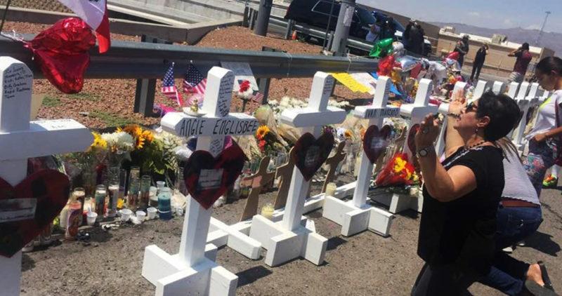 """""""Parecía la guerra"""", recuerdan testigos del tiroteo en El Paso. Vecinos no se sobreponen a la tragedia"""