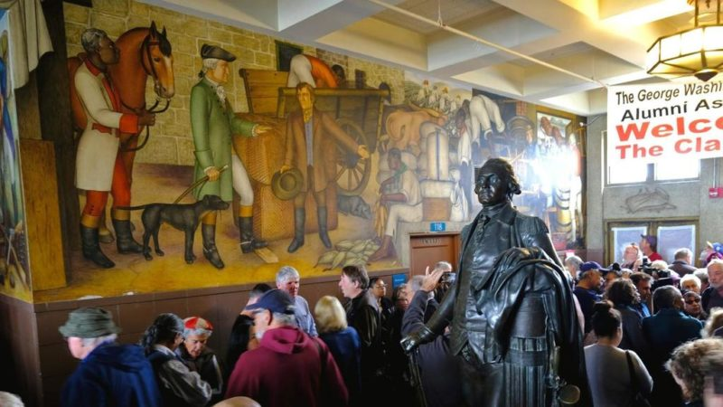 Distrito escolar de San Francisco decide preservar polémico mural que refleja la esclavitud y el genocidio de nativos americanos