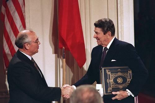 Abandona EU el acuerdo nuclear firmado con Rusia a finales de laGuerra Fría; reinician carrera armamentista