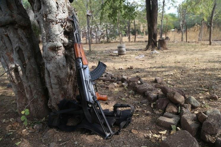 Rechaza AMLO diálogo con grupos de autodefensa; celebran PAN y PRD