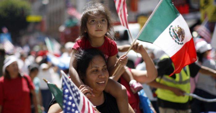 La población hispana en EE.UU. llegó a un nuevo pico, pero el crecimiento es cada vez más lento