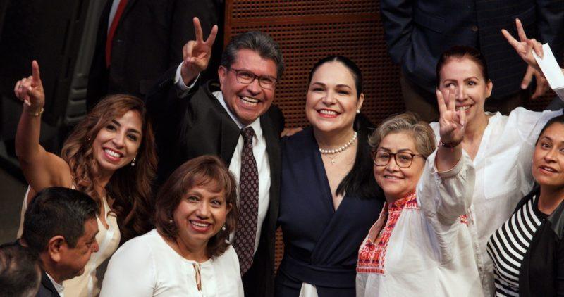 Video: Batres sale entre loas de la Mesa Directiva… pero pierde: Senadora Mónica Fernández es presidenta