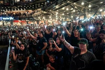 """""""No nos callarán"""": lema de movimiento de solidaridad latina tras masacre en El Paso"""