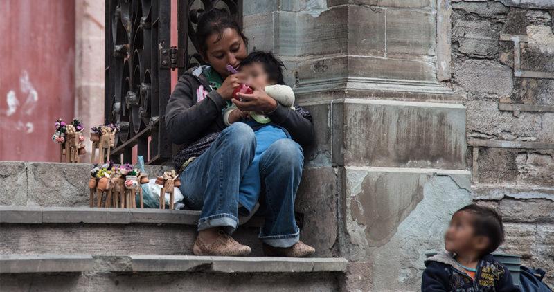 """10 años de """"combate"""" a la pobreza con  Peña Nieto y Calderón sirvieron de poco ya que aumentó en vez de disminuir, dicen las cifras de Coneval"""