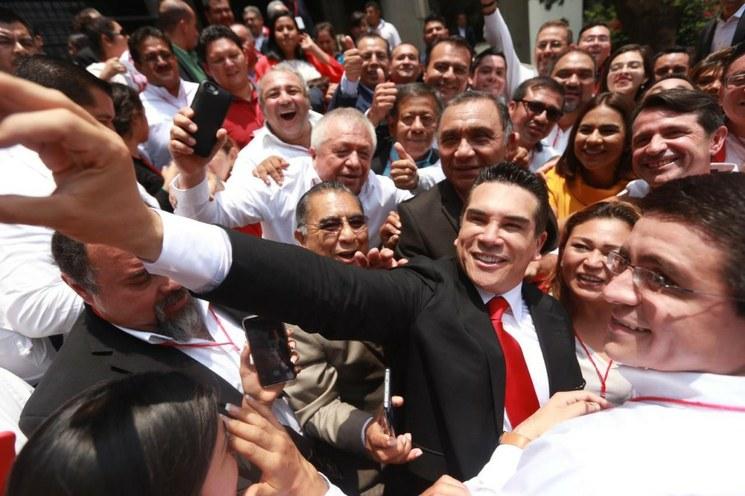 El PRI no recibirá instrucciones de nadie, afirma Alejandro Moreno al asumir la presidencia de ese partido