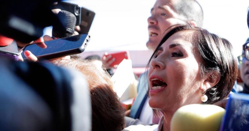 Rosario Robles queda detenida y estará 2 meses en Santa Martha. Insiste: informé a Peña y a Meade