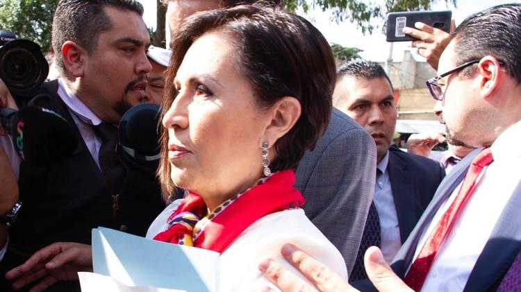 Bajo vigilancia las 24 horas y compartiendo camas y baño, así pasó Rosario Robles su primer día en la cárcel