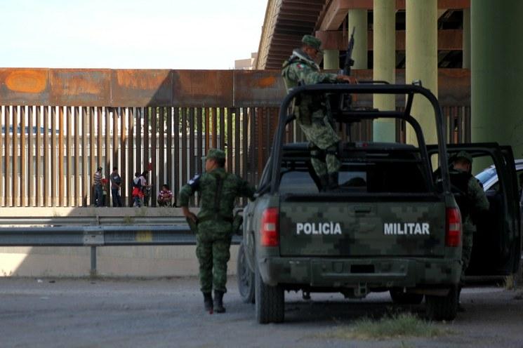 Gobierno anuncia operativos contra tráfico de armas en frontera con EU, de donde proviene el 70% de ellas