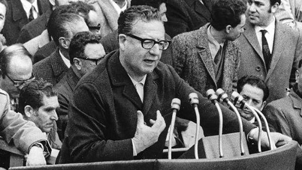 Videos:  46 años del golpe de estado en Chile; el gobierno no lo recuerda, miles protestan y rinden tributo a Salvador Allende