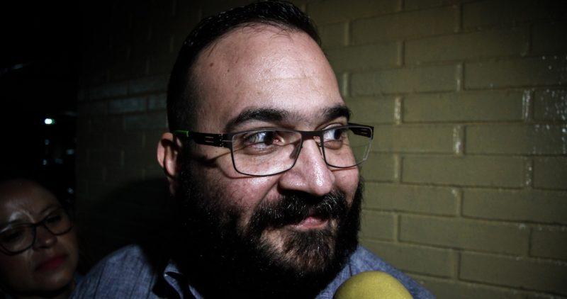 En la prisión, Javier Duarte no sólo mueve sus redes: ahora también publica artículos en la prensa veracruzana