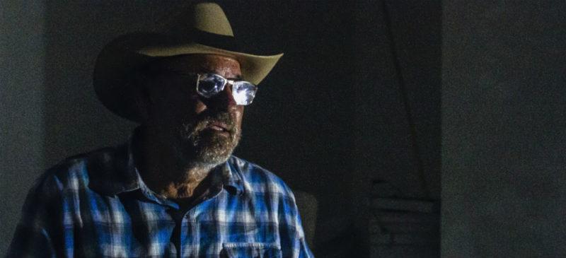 """""""Si el gobierno no hace su trabajo… voy a seguir armado"""", afirma Hipólito Mora, creador de las autodefensas en Michoacán"""