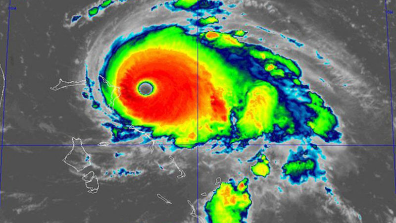 Dorian se convierte en huracán de categoría 5 con vientos de 260 kilómetros por hora