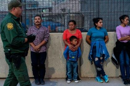 Condena la ONU restricciones al derecho de asilo en Estados Unidos