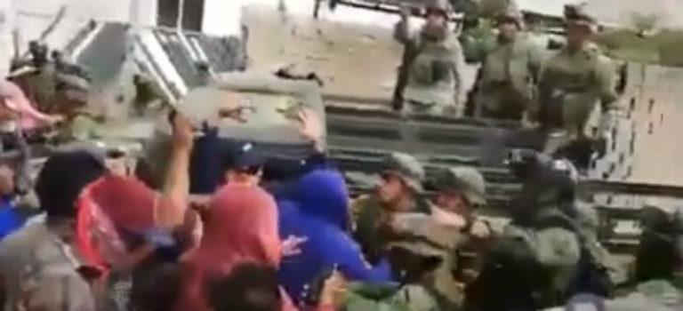 Videos: Otra vez, civiles agreden a militares, ahora en Puebla; van 11 ataques contra el Ejército este año