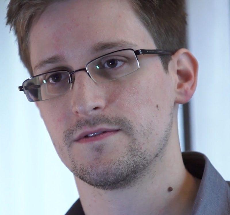 Estados Unidos demanda a Edward Snowden por publicar su libro sin enviarlo antes a la CIA y la NSA