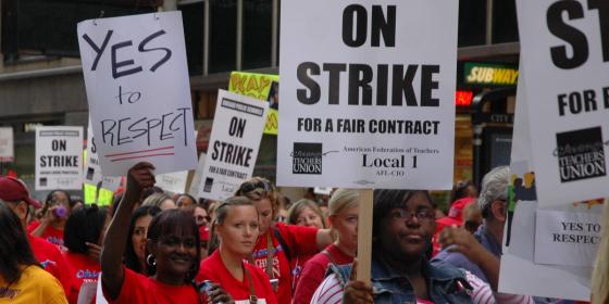 Videos: No más fondos para escuelas de Chicago, advierte la alcaldesa a los maestros en huelga. Este miércoles, protestas en las 500 escuelas