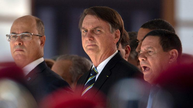 """Presidente de Brasil proyecta que escuelas públicas de primaria y secundaria sean administradas por militares """"para educar mejor a los alumnos"""""""