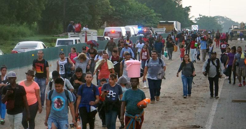 Gobierno mexicano buscará que la caravana de dos migrantes, que salieron de Tapachula a la frontera norte, acceda a programas de Bienestar