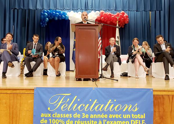 Richland, primera escuela de LAUSD con programa dual inglés-francés; 30 alumnos, los primeros certificados