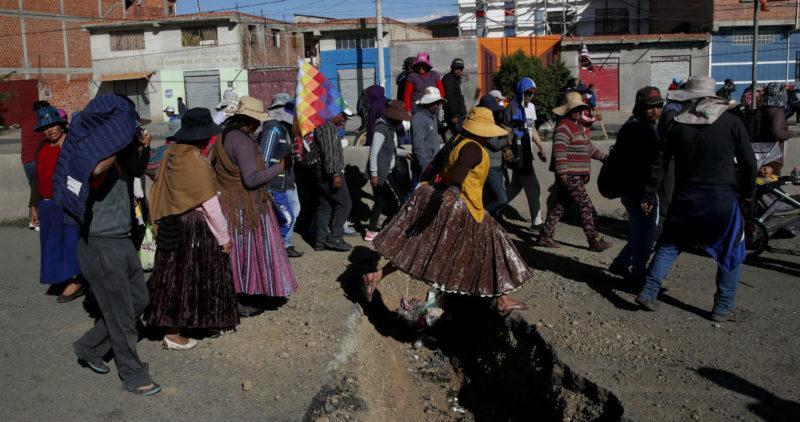 Bolivia: Las protestas provocan escasez de gasolina y alimentos; el Gobierno pide ahora diálogo