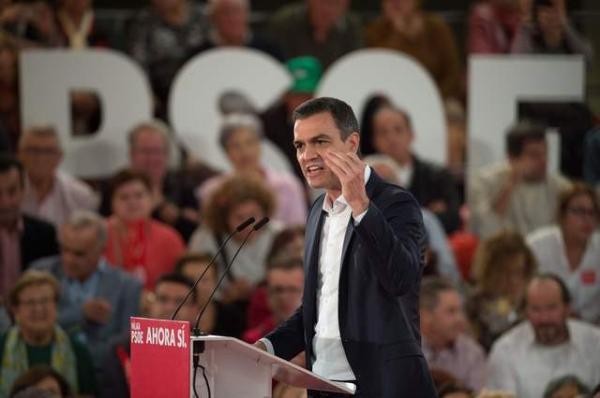 Pedro Sánchez tropieza en recta final de campaña electoral