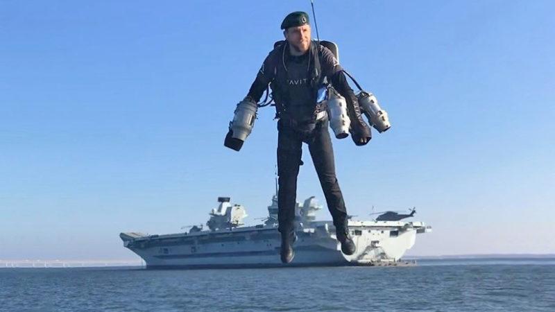 Video: El Iron Man de la vida real vuela desde un portaaviones británico