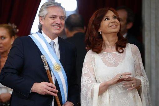 El nuevo presidente Alberto Fernández asegura que volverá a poner de pie a la Argentina