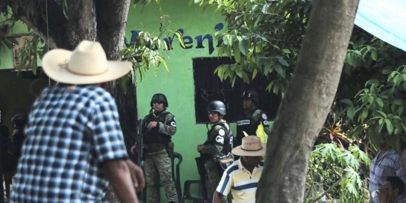 Liberan la madrugada de este sábado a los 18 guardias nacionales retenidos en Tecoanapa, Guerrero