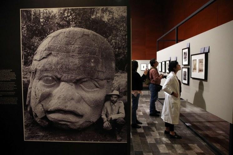 Destacan historia y simbología de las cabezas olmecas en México