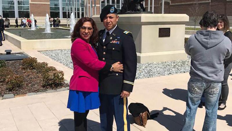 Deportan a la madre mexicana de un oficial del Ejército de EE.UU.