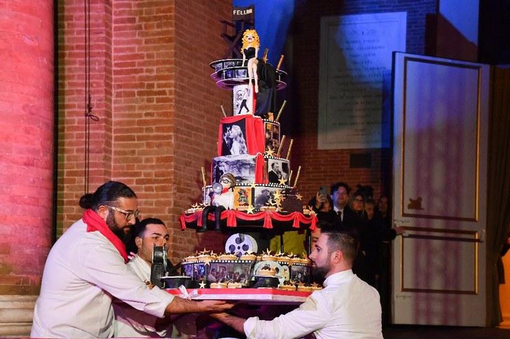 Rímini celebra el centenario natal de su hijo pródigo Federico Fellini