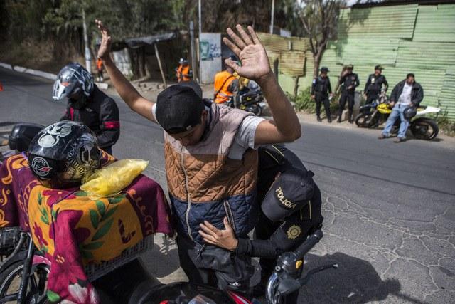 Declara Guatemala estado de prevención; el Ejército va a las calles contra pandillas en dos municipios