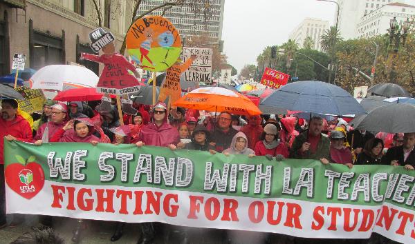 Videos: Se cumple un año de la huelga de maestros que reorientó y fortaleció el rumbo de la educación pública angelina y sentó un precedente de lucha gremial de alcance nacional