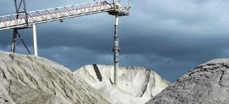 """El gobierno no ha dado concesiones para explotar litio. En el pasado, se utilizaban para negociar en el mercado financiero, """"para especular"""": AMLO"""