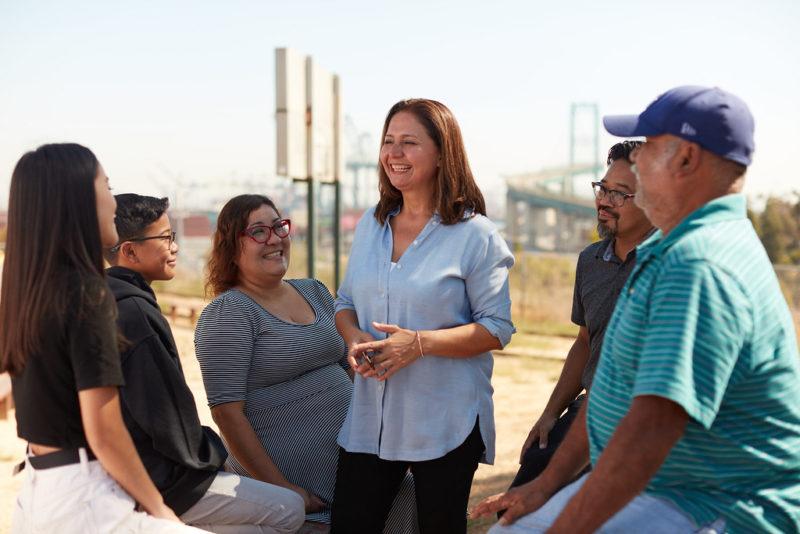 Una alianza con padres para que el distrito escolar los escuche y juntos busquen apoyo a los estudiantes, plantea Patricia Castellanos, aspirante al distrito 7 de LAUSD