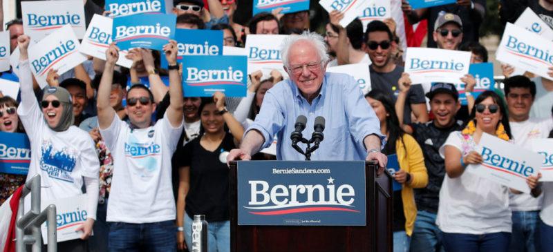 """Sanders llama a Putin """"matón autocrático"""" y advierte a Moscú que se mantenga fuera de las elecciones de EU"""